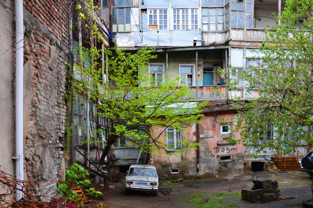 Gruzínsko - Tbilis - Je niekto doma?