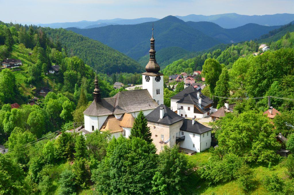 Špania Dolina - Kostol Premenenia Pána