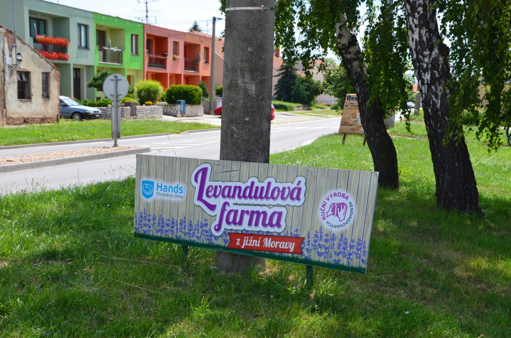 Farma je dobre značená - Levanduľové pole