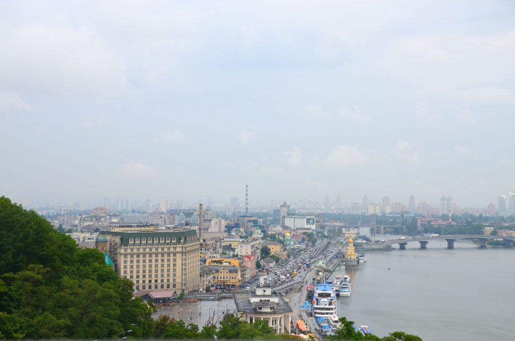 Kyjev - Keby nepršalo, tak by to bol celkom fajn výhľad