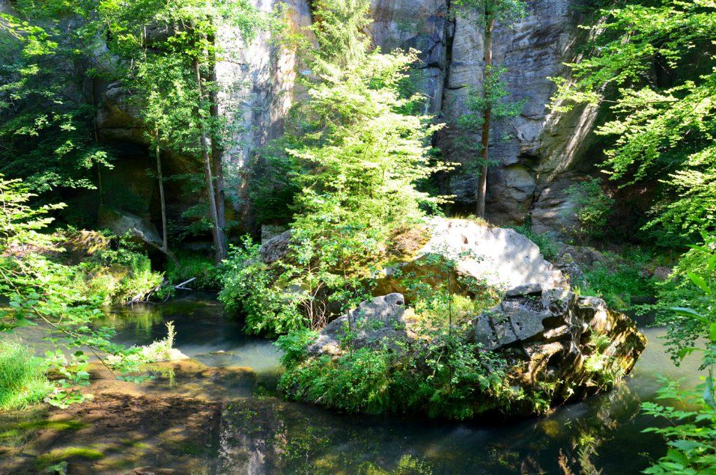 České Švajčiarsko - Prechádzka vedie cez malebnú prírodu národného parku