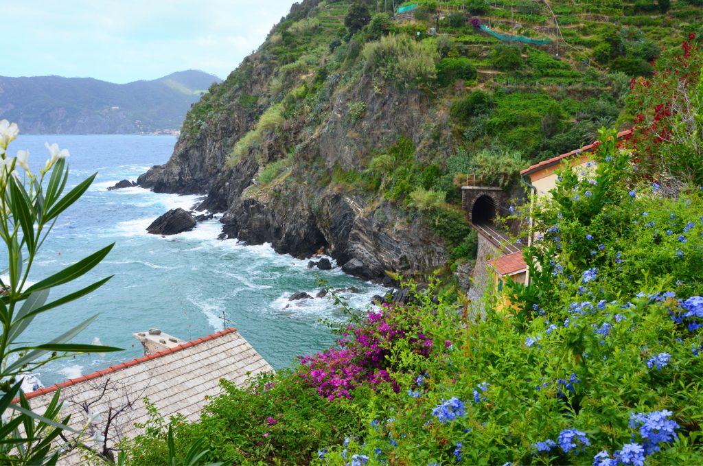 Cinque Terre - Vernazza - ideme na chodník, ale žiaľ zatvorené