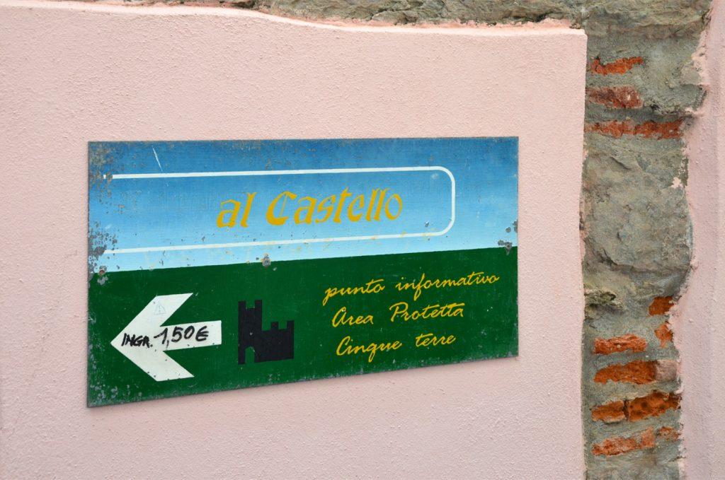 Vernazza - vstupné na hrad = 1,5€