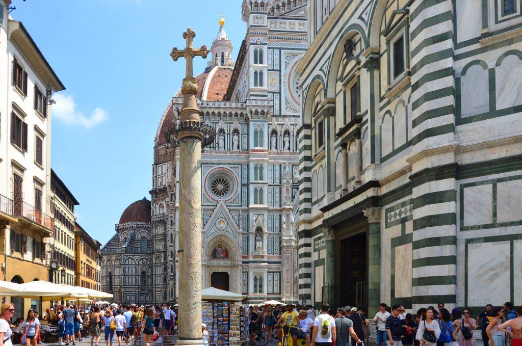 Florencia - Santa Maria del Fiore - rad na vstup do kupoly bol naozaj dlhý