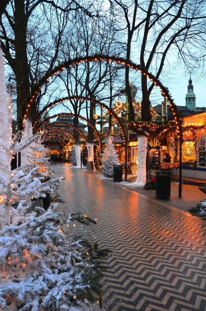 Výzdoba na vianočných trhoch v parku Tivoli