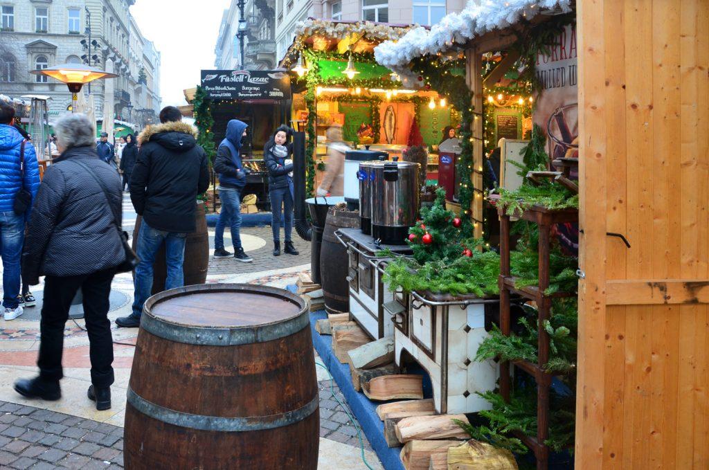 Budapešť - výzdoba na vianočných trhoch