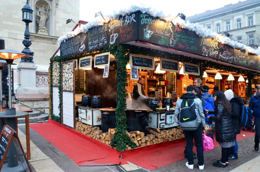 Vianočné trhy v Budapešti  - jedlo
