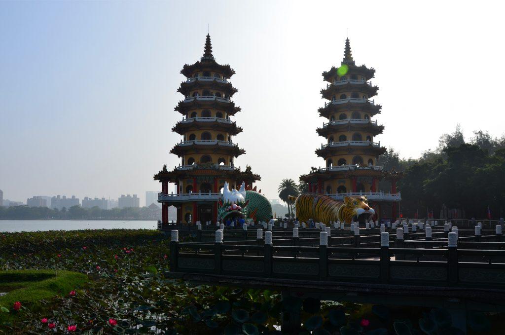 Kaohsiung - Dračia a Tigria Pagoda