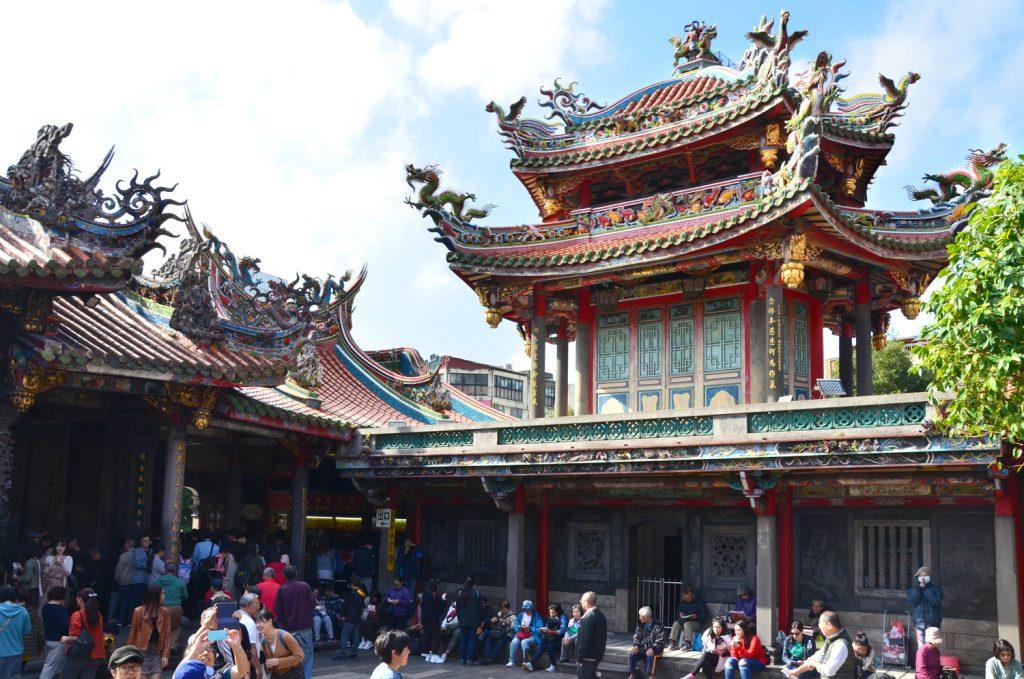Taiwan: Čo vidieť? Taipei - Lungshan Temple - najpopulárnejší chrám v meste