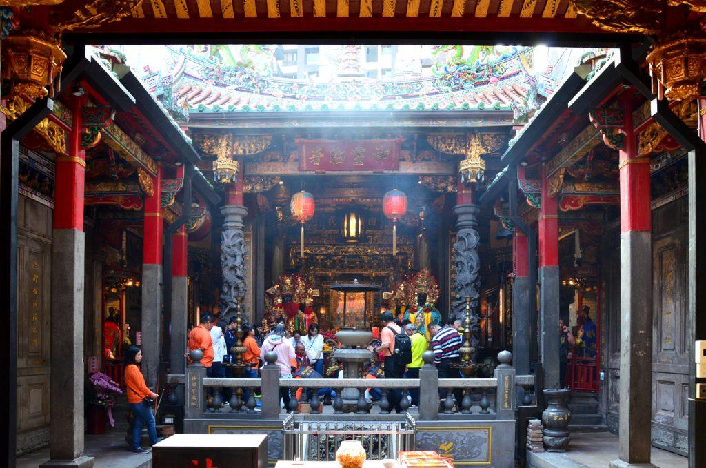 Výlet Taiwan - Aj v chráme vládla dobrá nálada
