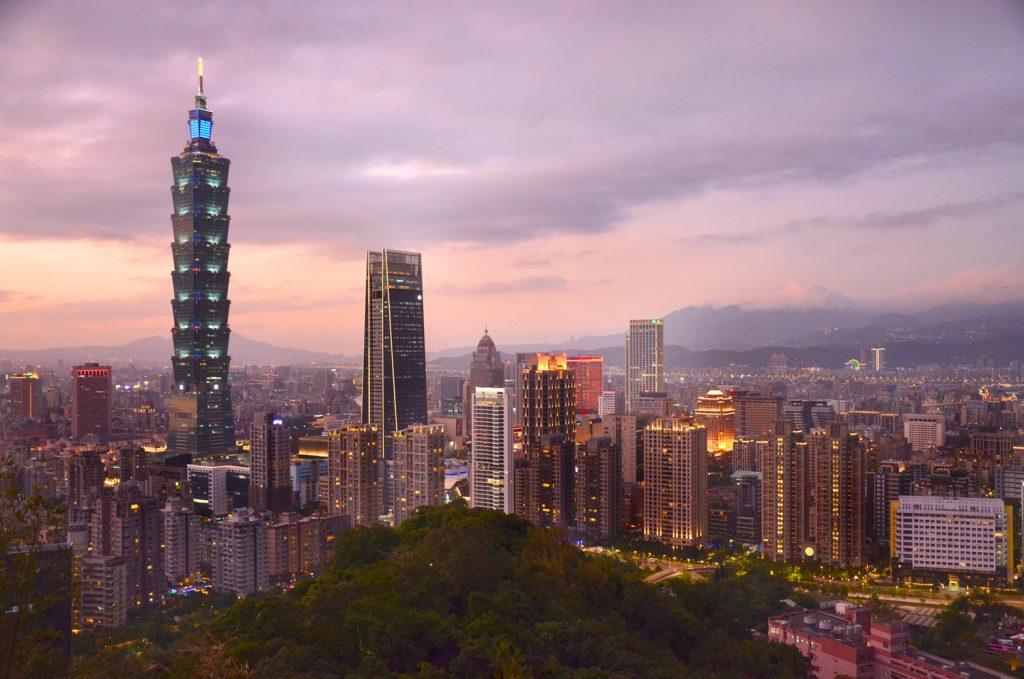 Výlet Taiwan - Taipei 101 po západe slnka
