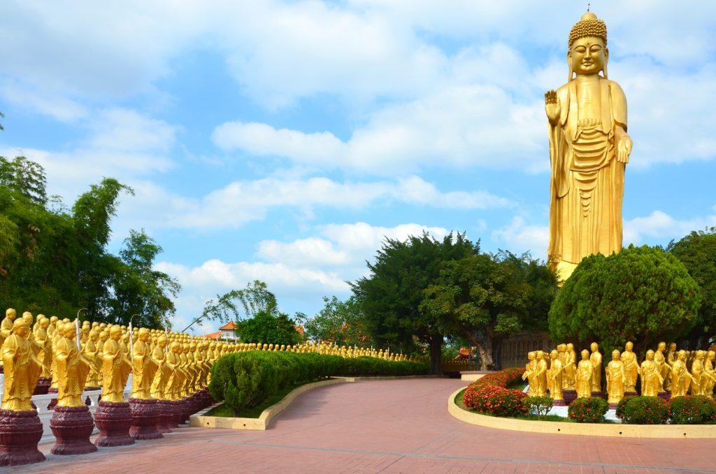 Stojaci Budha