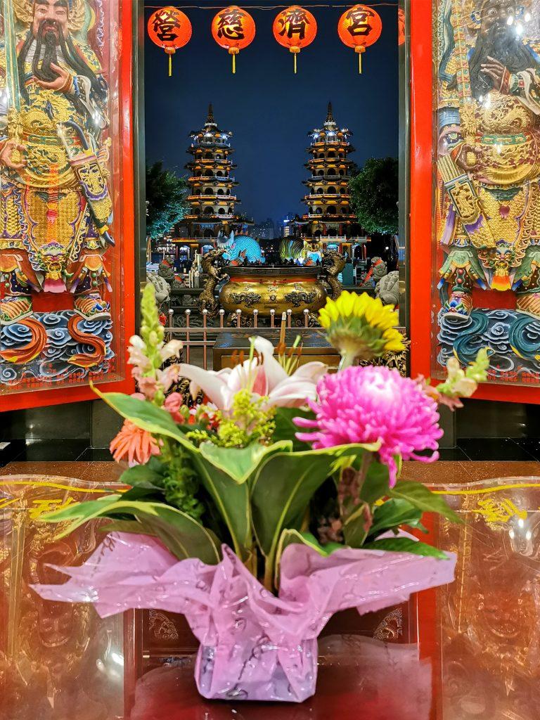 Taiwan: Čo vidieť? Kaohsiung - Dragon and Tiger Pagodas
