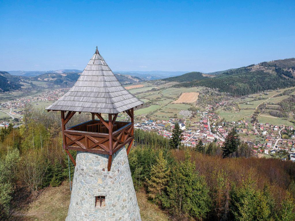 Rozhľadňa na vrchu Bobovec