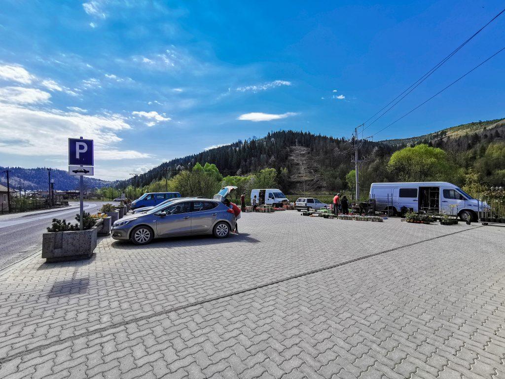 Rozhľadňa na Hladkom vrchu: Výlet som začal na bezplatnom parkovisku v Zborove nad Bystricou