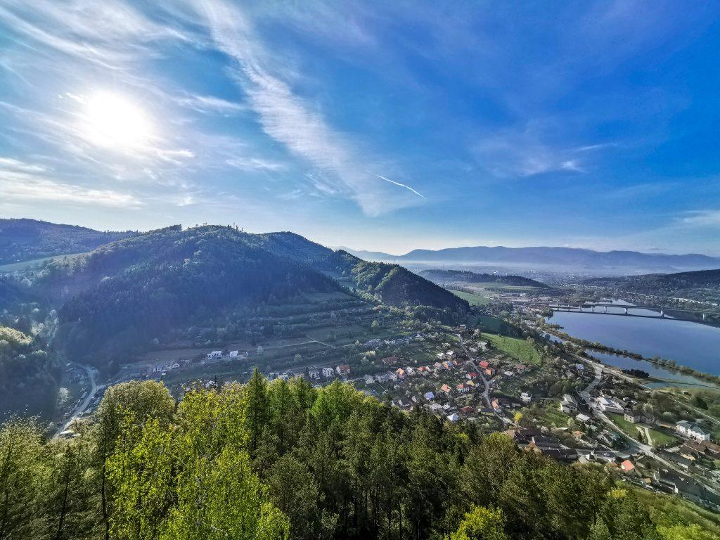 Vyhliadková veža Divinka - Pohľad na obec Divinka
