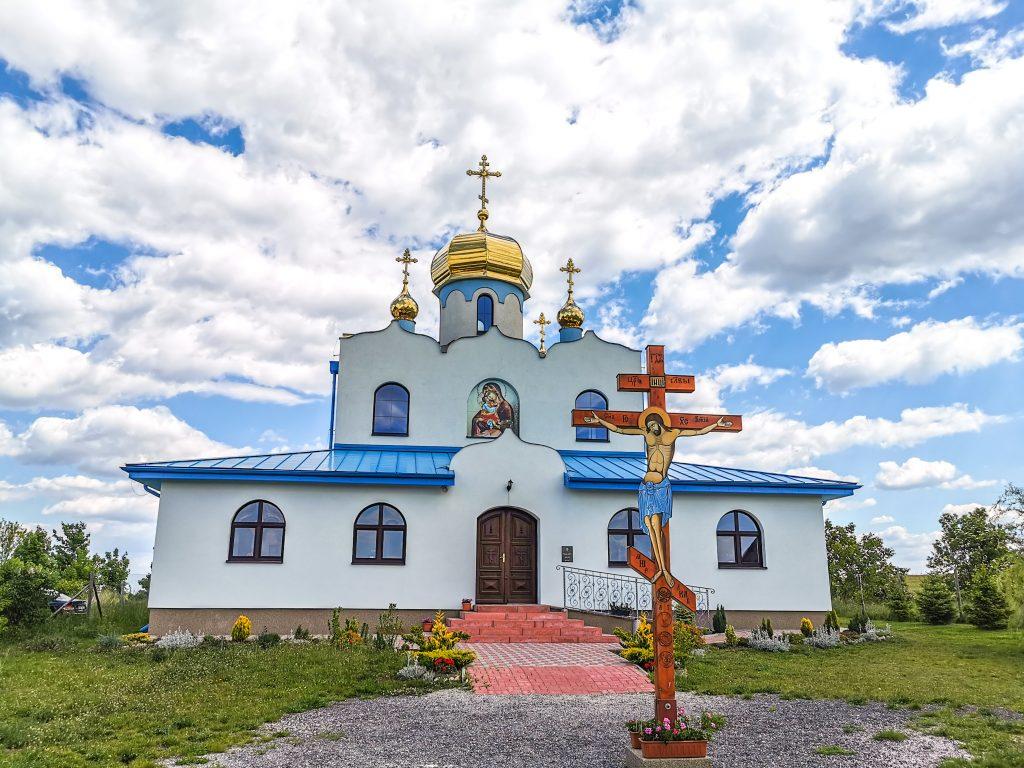 Cesta k mlynu začína pri kostole