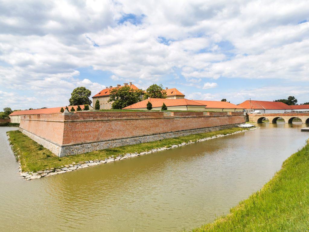 Pôvodne to bol gotický vodný hrad