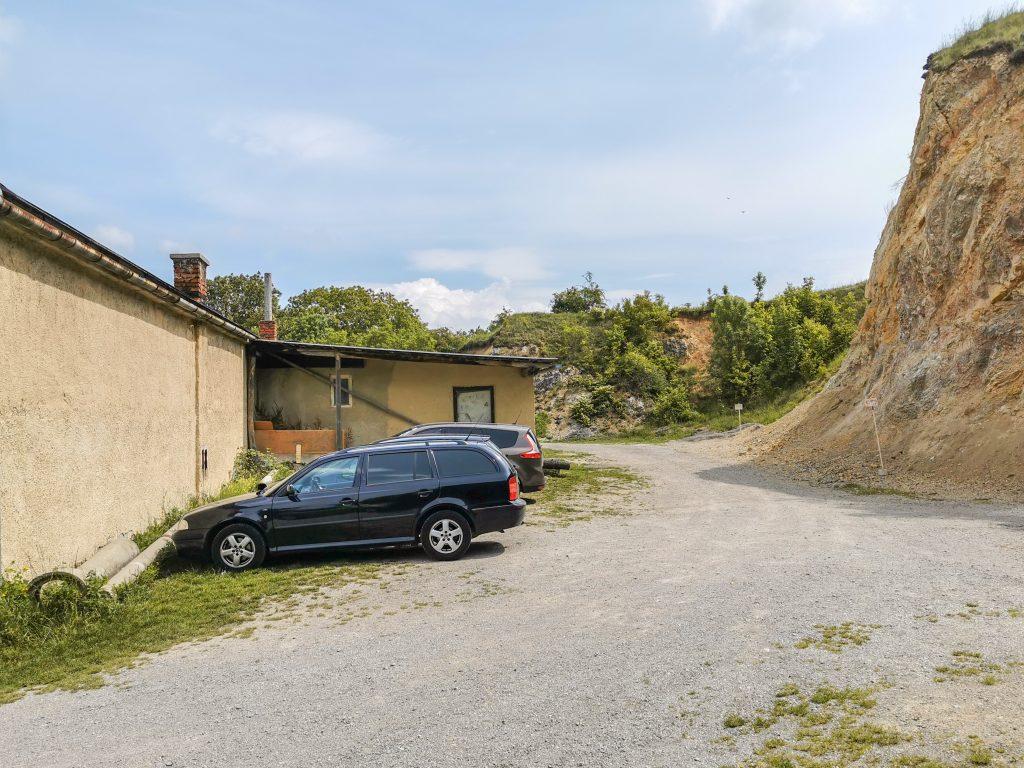Parkovanie v Haluziciach