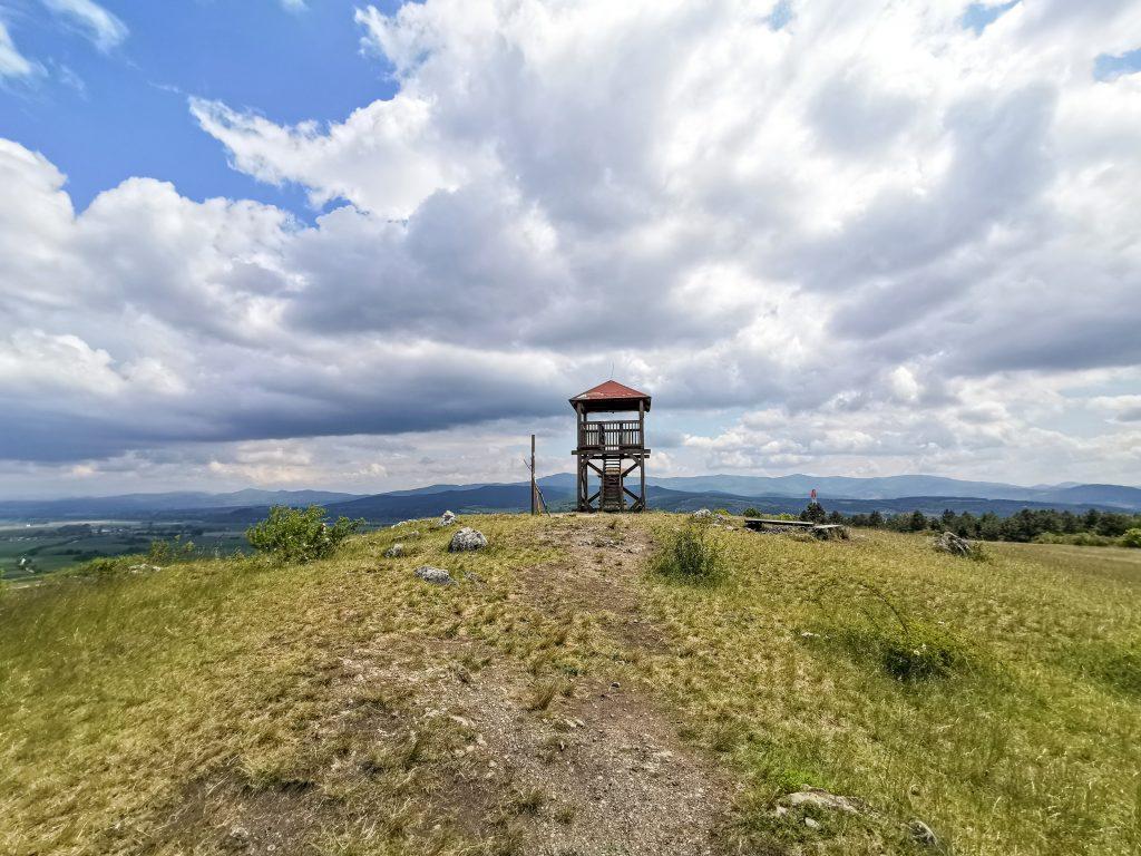 Výška Rozhľadne Hájnica je len 7,3 metra
