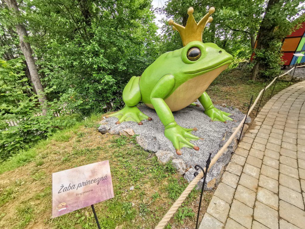 Zakliaty žabací princ