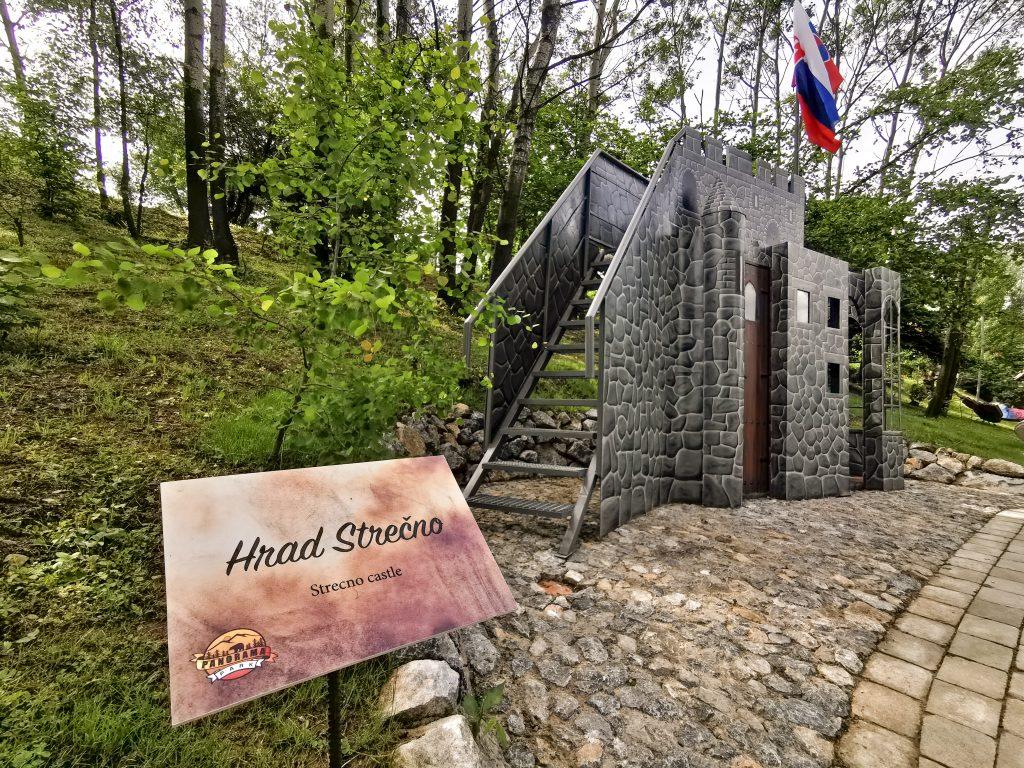 Koliba Panoráma - Rozprávkový les: Hrad Strečno