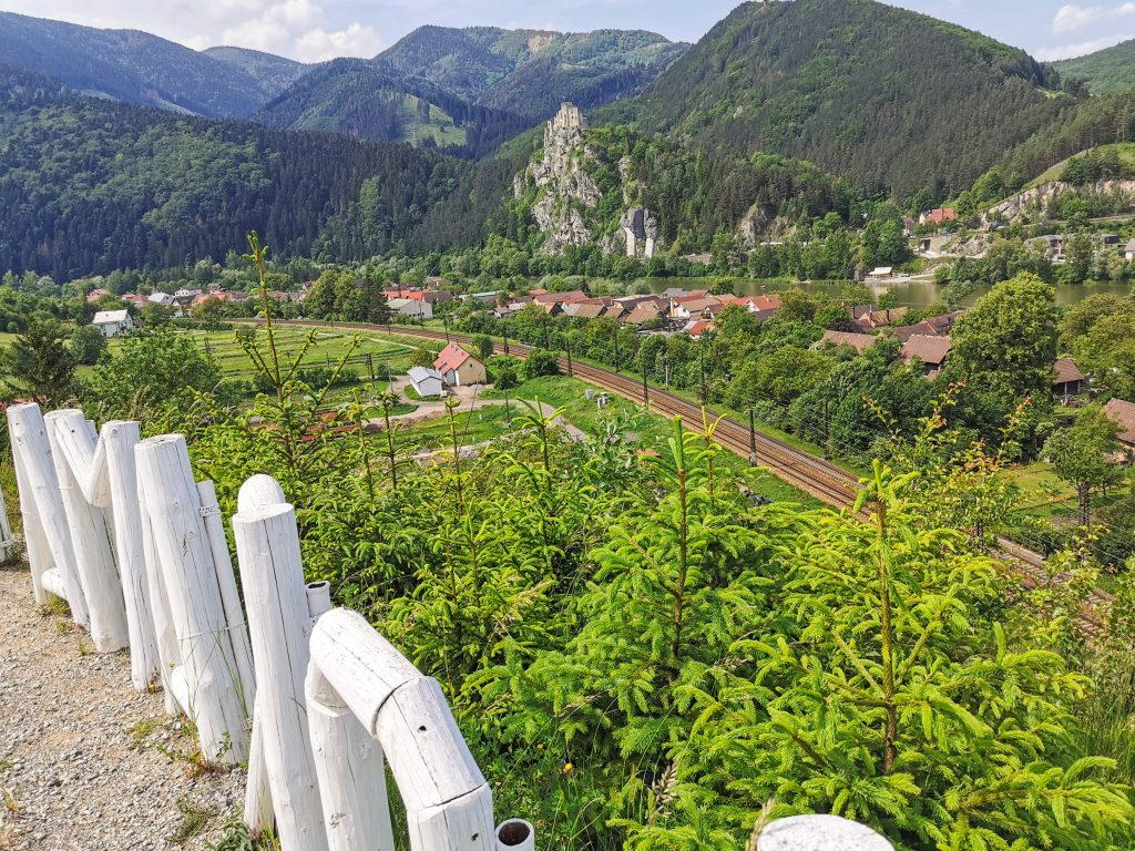 Koliba Panoráma - Výhľad na Hrad Strečno