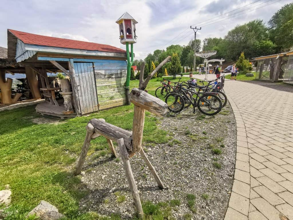 Reštaurácia na kopci je aj obľúbenou zastávkou cyklistov