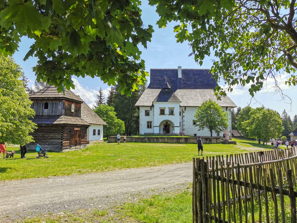 Skanzen Pribylina – Múzeum liptovskej dediny - kaštieľ
