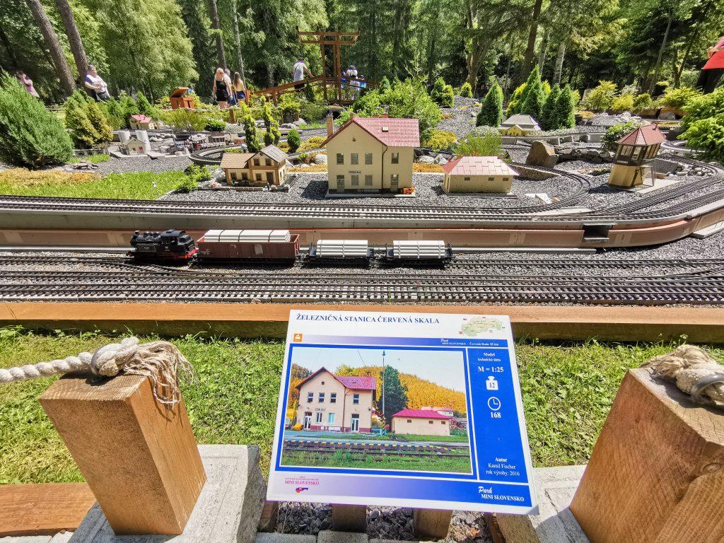 Železničná stanica Červená Skala