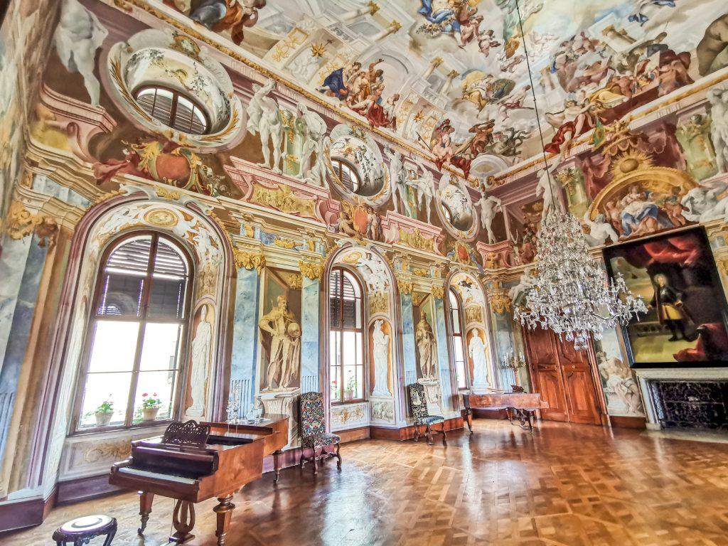 Zámok Milotice - Asi najkrajšia miestnosť na zámku
