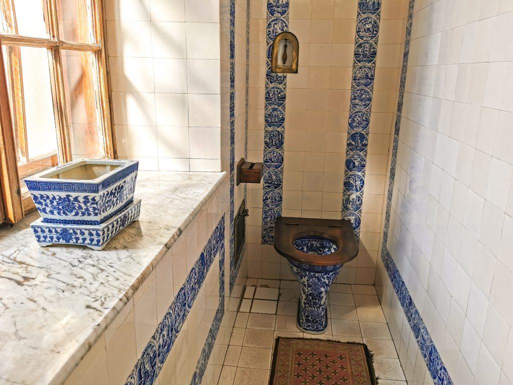 Zámocká toaleta