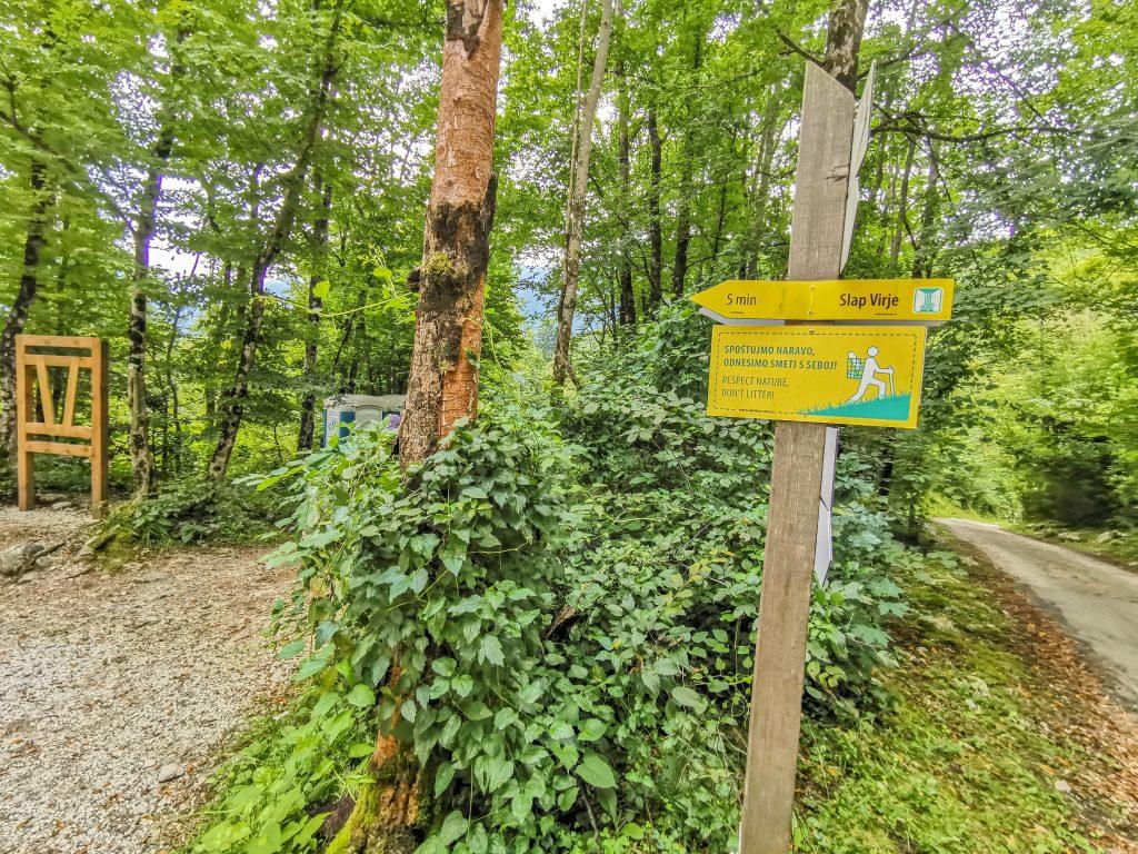 Cesta k vodopádu Virje