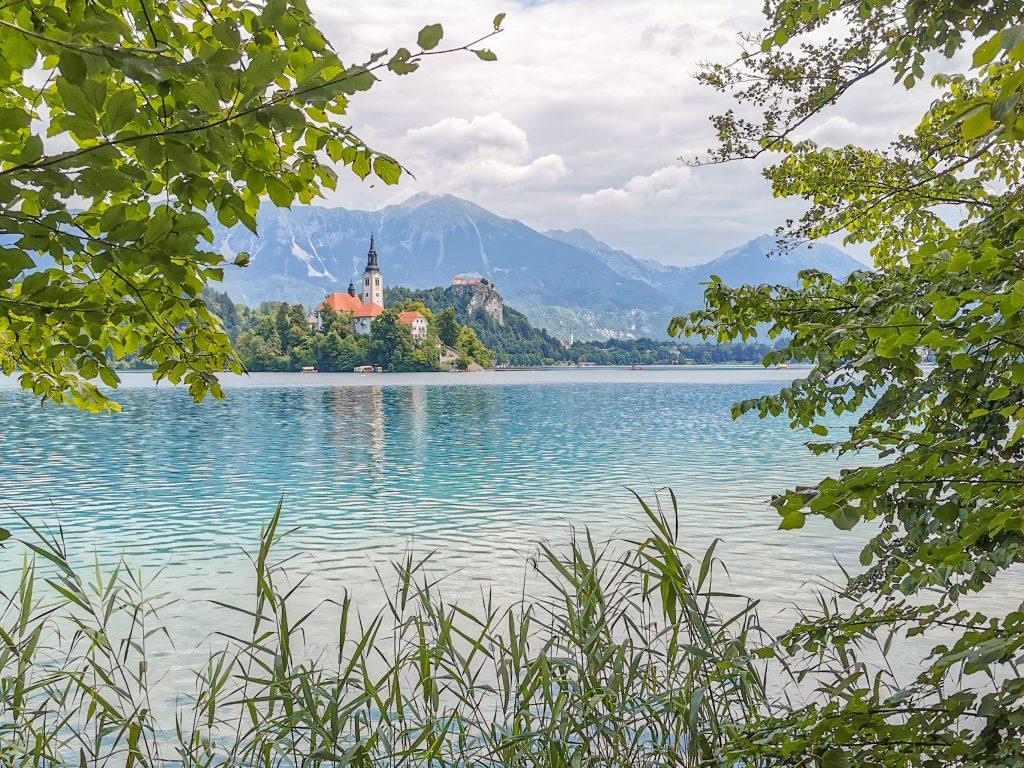 Jazero Bled - Výhľad na kostolík na ostrove