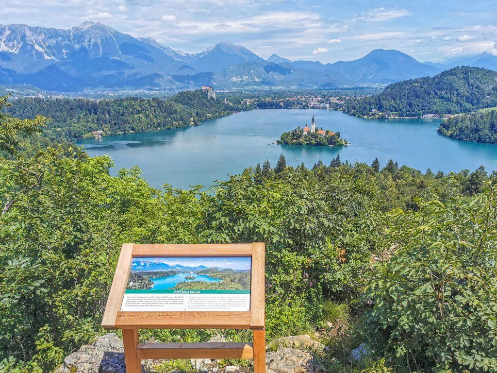 Jazero Bled z Vyhliadky Ojstrica
