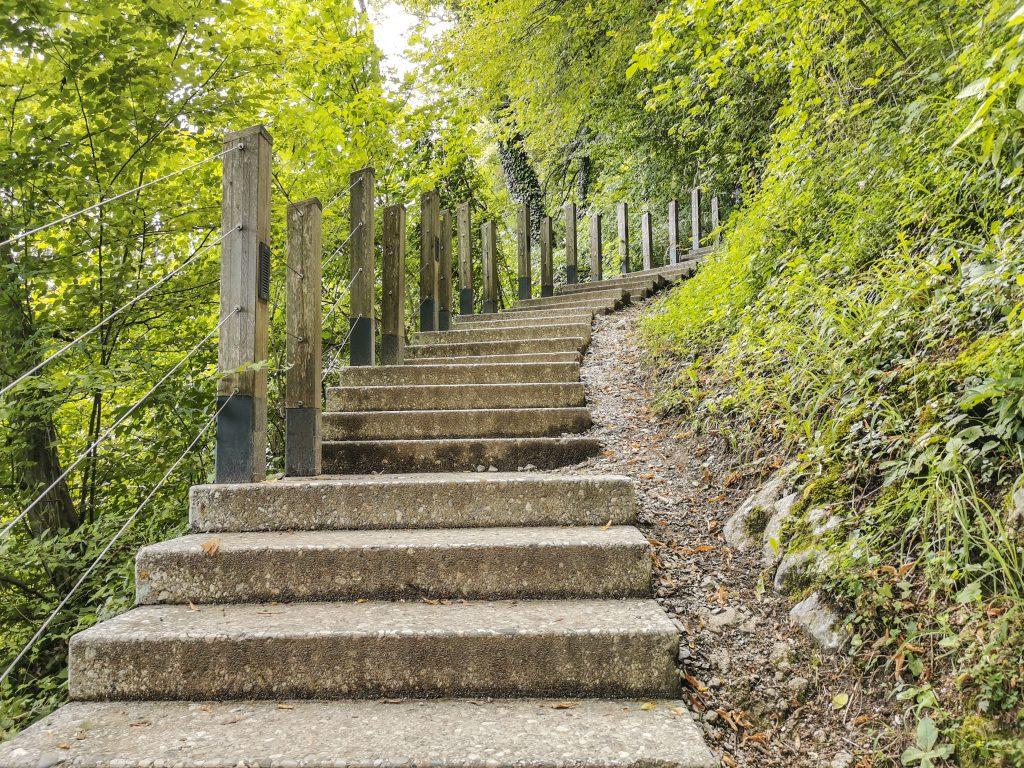 Schody na hrad - cesta nebude trvať viac ako 15 minút