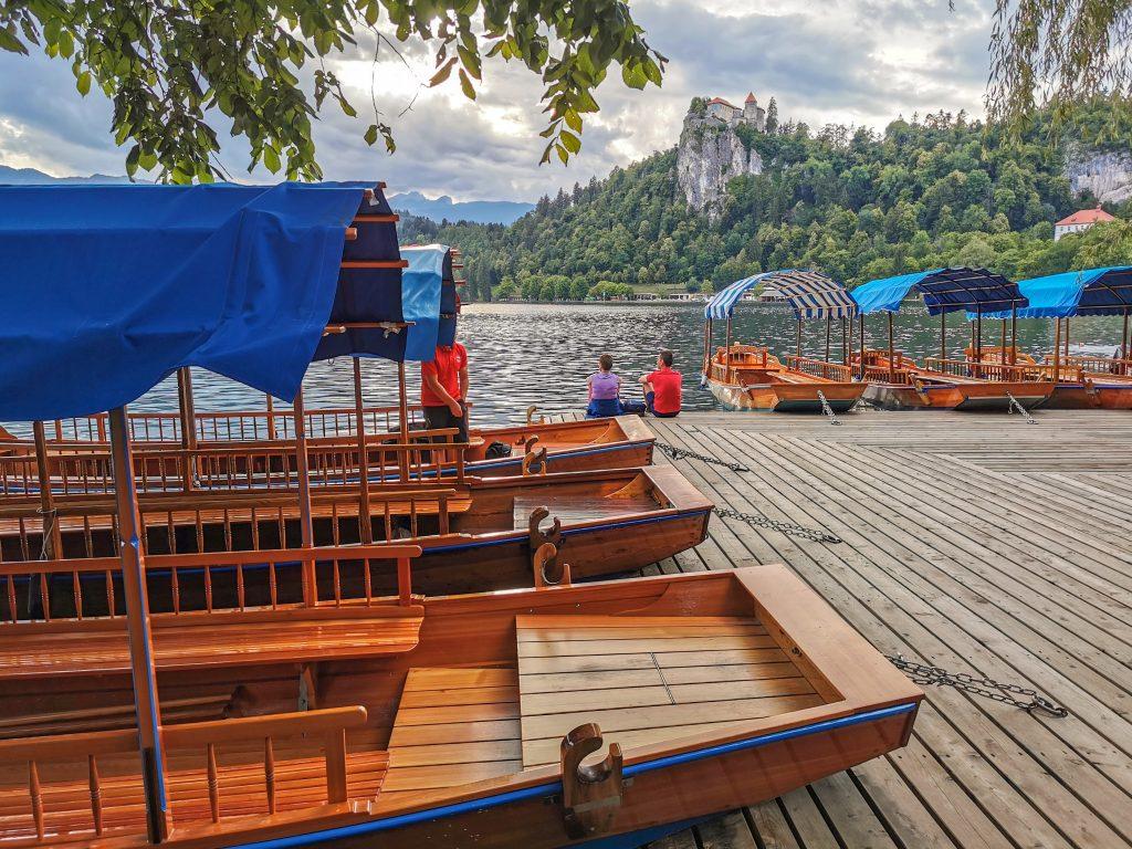 Jazero Bled s výhľadom na hrad