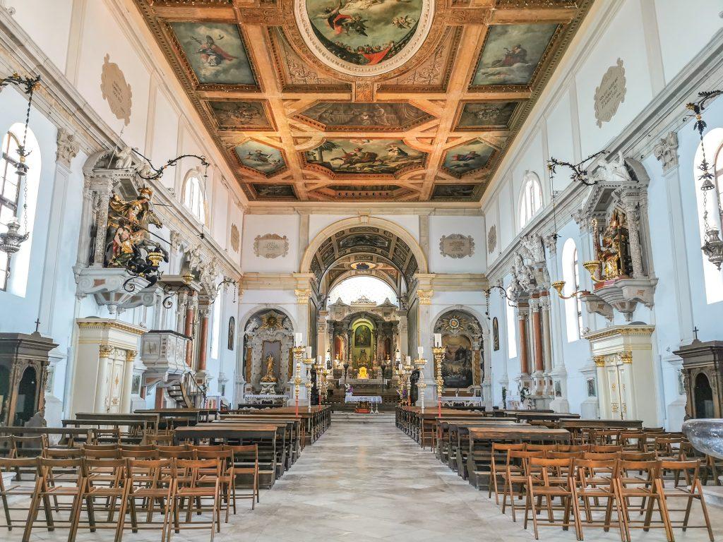 Kostolík zvnútra