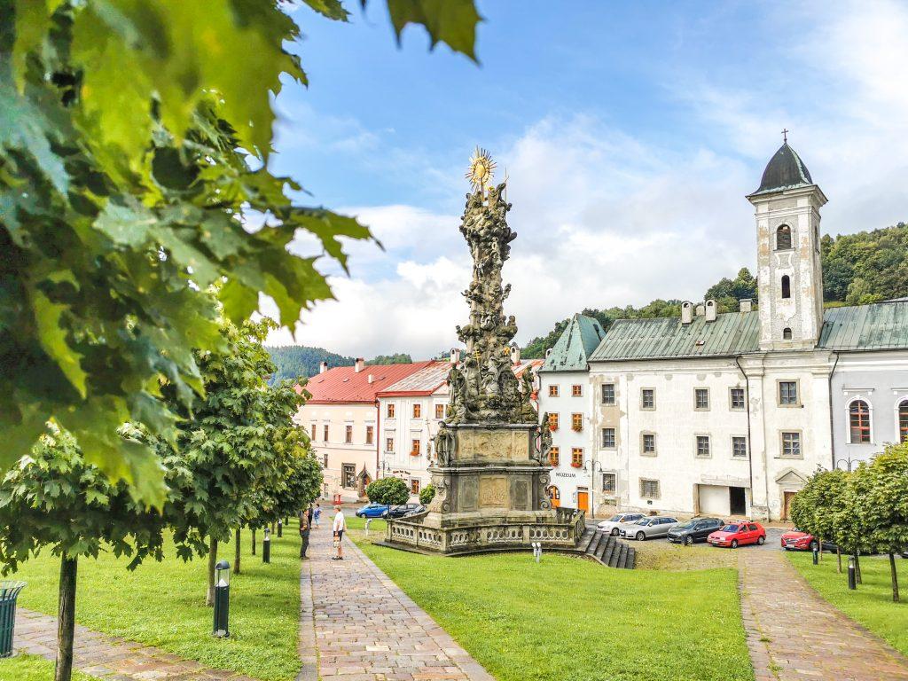Dobré ránko Kremnica - Kláštor a Morový stĺp