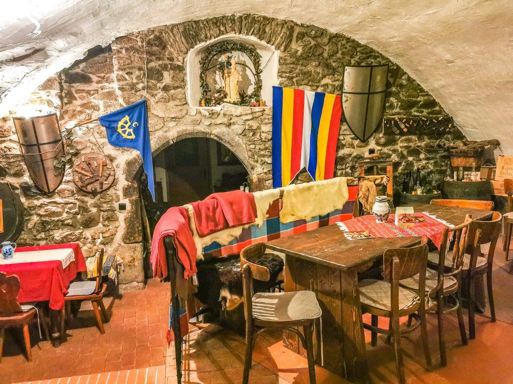 Gotické pivnice, kde ochutnáte vínko Ringbürger