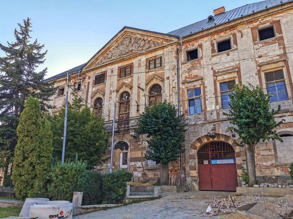 Za horami, za dolami: Coburgovský kaštieľ v Jelšave