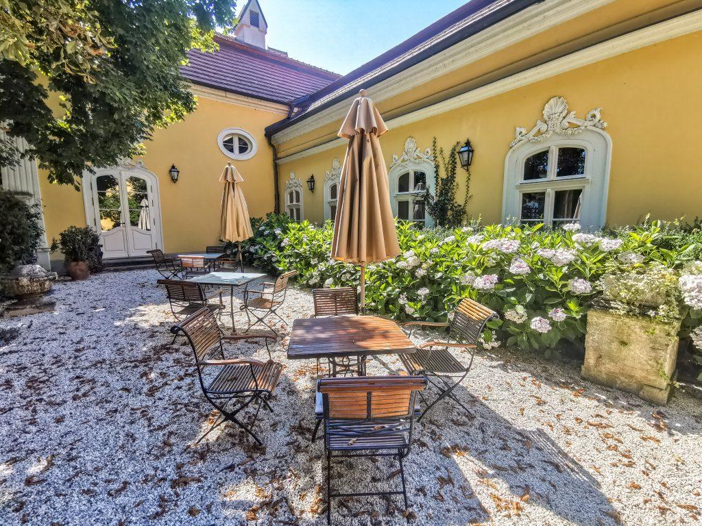 Reštaurácia Château Belá