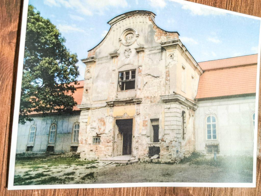 Château Belá - V parku sa nachádza aj hotelové múzeum a vináreň.