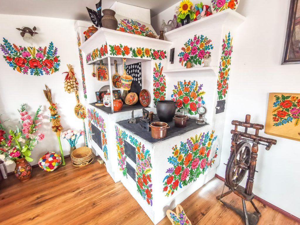 Zalipie - maľovaná kuchyňa