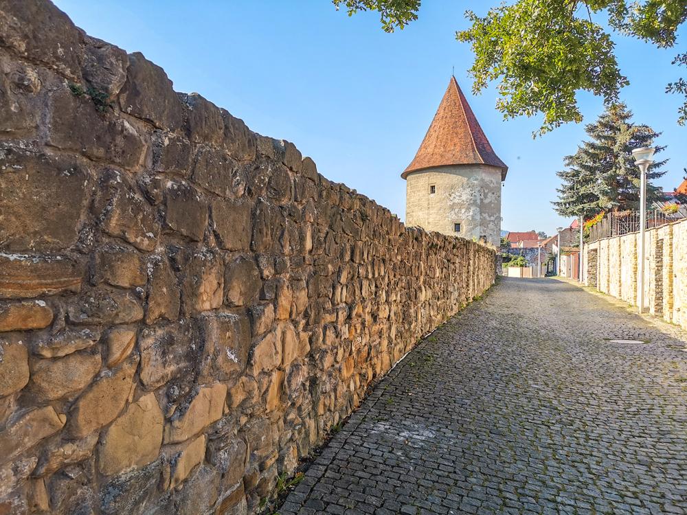 Ranná prechádzka okolo hradieb