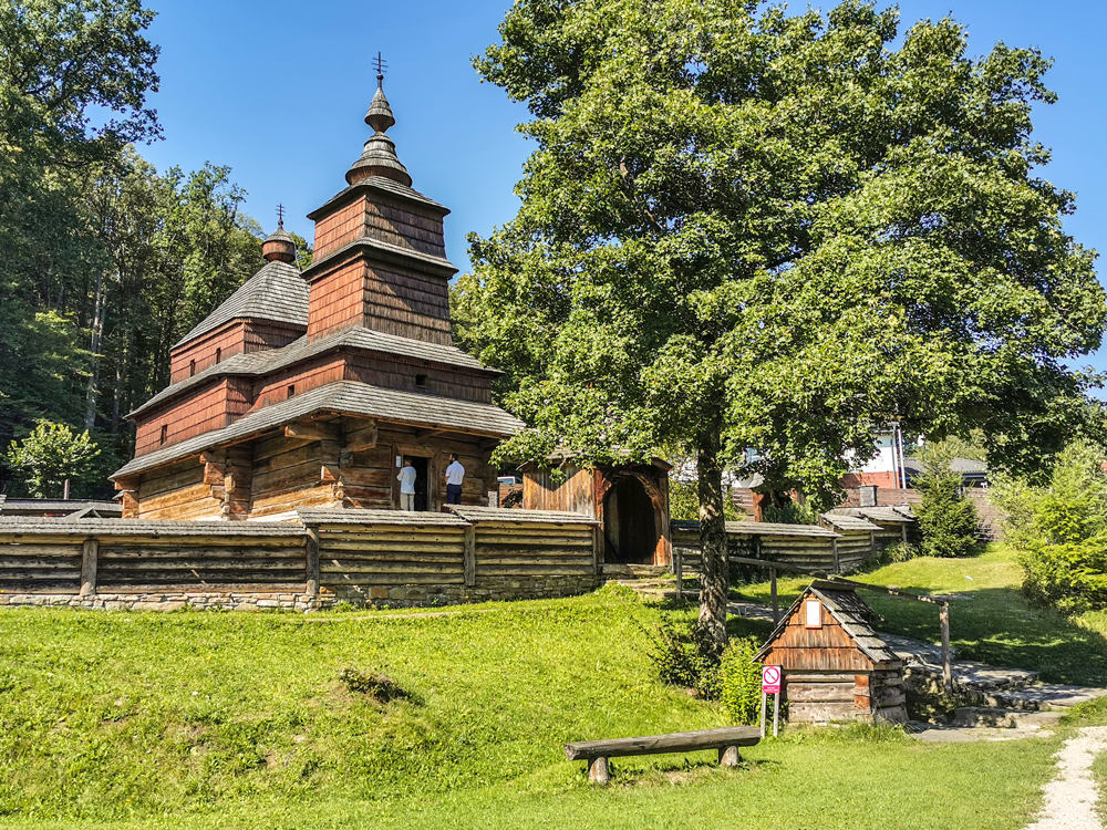 Skanzen Bardejov - Drevený kostolík východného obradu z dediny Zboj