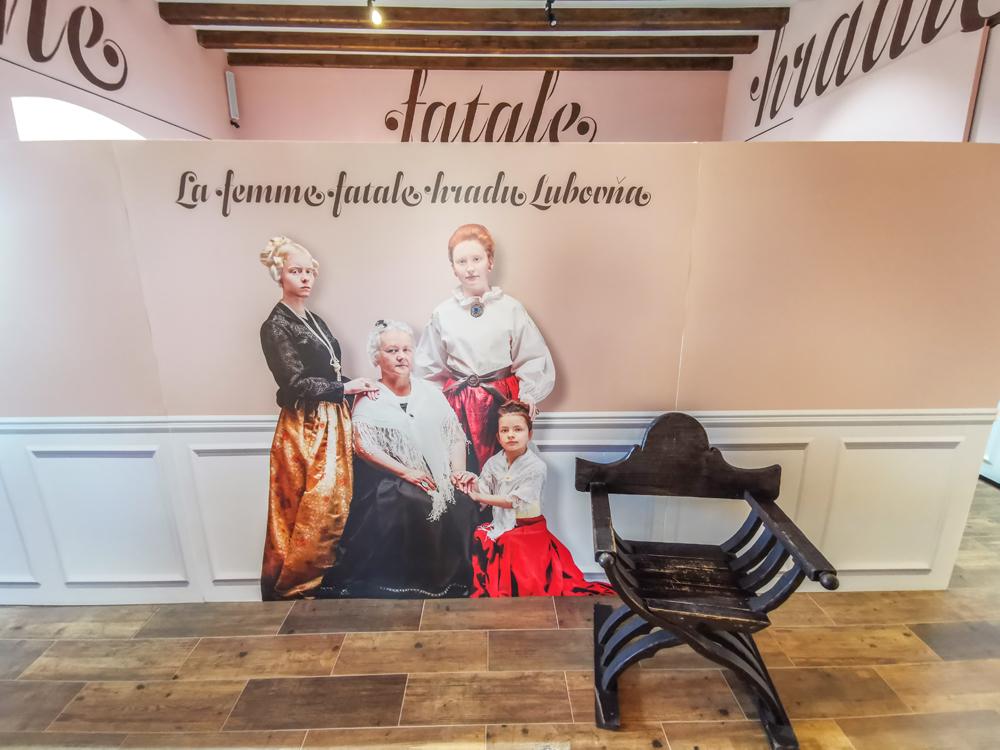 """Výstava """"La femme fatale hradu Ľubovňa"""""""