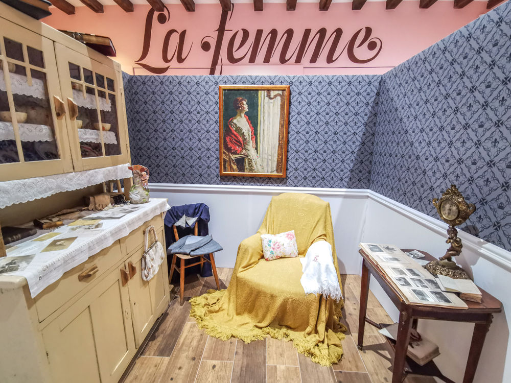 """Stará Ľubovňa: Výstava """"La femme fatale hradu Ľubovňa"""""""