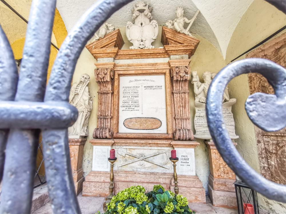 Svätopeterský cintorín - Hrobka rodiny Fürst