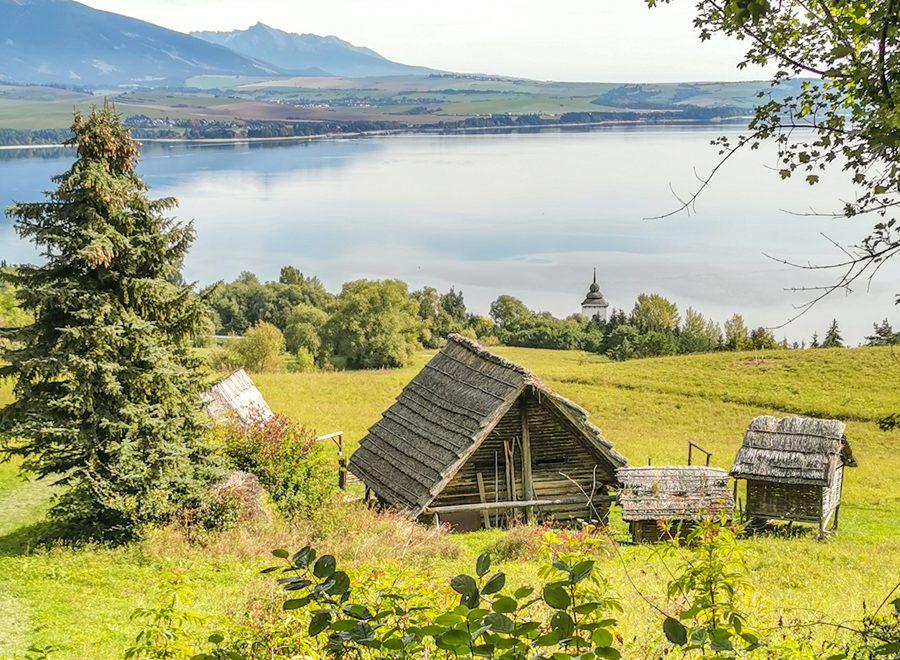 Skanzeny na Slovensku - Archeoskanzen Havránok